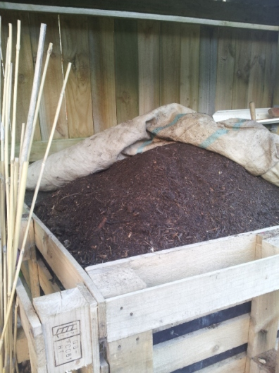 1m cubed finished crumbly compost